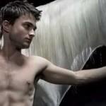 Daniel Radcliffe le coge el gusto a desnudarse en público