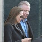 Angelina Jolie se reconcilia con su padre y lo invita a Venecia