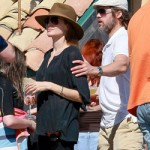 Angelina Jolie no se ve limpiando suelos